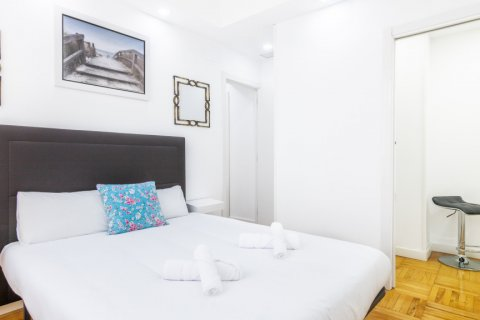 Apartment for sale in Madrid, Spain, 3 bedrooms, 100.00m2, No. 2540 – photo 21