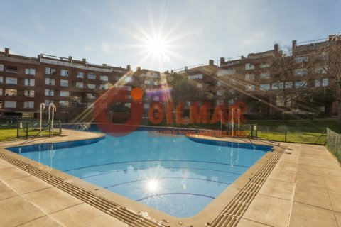 Apartment for rent in Madrid, Spain, 3 bedrooms, 127.00m2, No. 1688 – photo 1