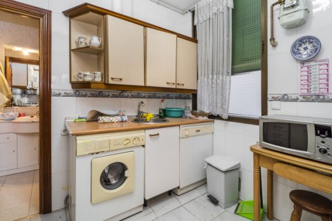 Apartment for sale in Madrid, Spain, 5 bedrooms, 133.00m2, No. 2686 – photo 27