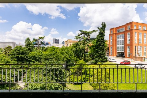 Apartment for sale in Madrid, Spain, 6 bedrooms, 500.00m2, No. 2408 – photo 30