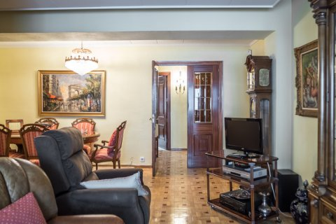 Apartment for sale in Madrid, Spain, 3 bedrooms, 117.80m2, No. 2173 – photo 3