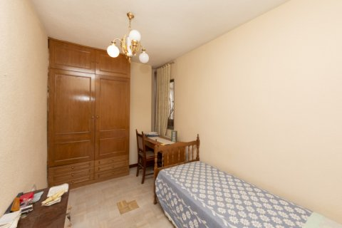 Apartment for sale in Madrid, Spain, 3 bedrooms, 90.00m2, No. 2414 – photo 12