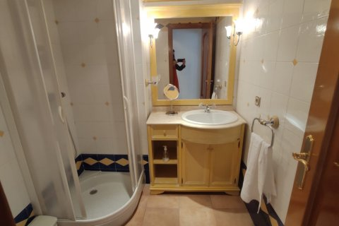 Apartment for rent in Marbella, Malaga, Spain, 2 bedrooms, 120.00m2, No. 2568 – photo 6