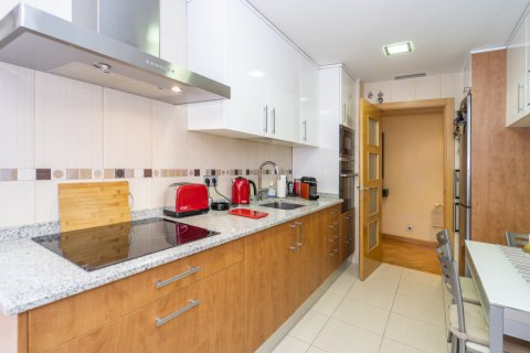 Apartment for sale in Madrid, Spain, 4 bedrooms, 122.51m2, No. 2192 – photo 29