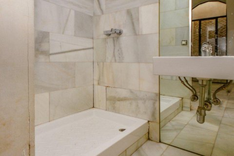 Apartment for sale in Madrid, Spain, 1 bedroom, 53.00m2, No. 2485 – photo 11