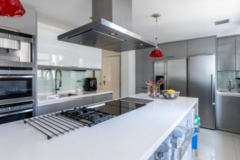 Apartment for sale in Madrid, Spain, 5 bedrooms, 201.00m2, No. 2311 – photo 12
