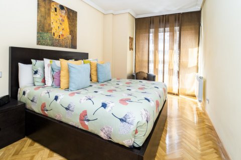Apartment for sale in Madrid, Spain, 4 bedrooms, 122.51m2, No. 2192 – photo 21