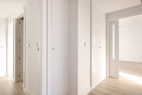 Apartment for sale in Madrid, Spain, 4 bedrooms, 200.00m2, No. 2361 – photo 2