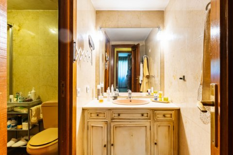 Apartment for sale in Madrid, Spain, 6 bedrooms, 355.00m2, No. 2376 – photo 19