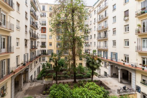 Apartment for sale in Madrid, Spain, 2 bedrooms, 120.00m2, No. 2578 – photo 25