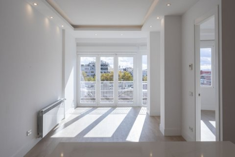 Apartment for sale in Madrid, Spain, 2 bedrooms, 116.00m2, No. 1908 – photo 4