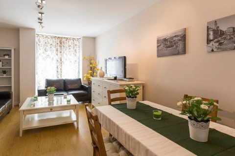 Apartment for rent in Madrid, Spain, 2 bedrooms, 94.00m2, No. 2216 – photo 2