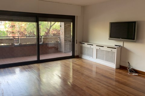Apartment for rent in Madrid, Spain, 5 bedrooms, 279.00m2, No. 1462 – photo 6