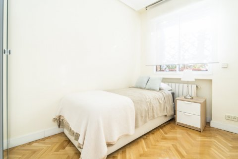 Apartment for sale in Madrid, Spain, 2 bedrooms, 80.00m2, No. 2516 – photo 21