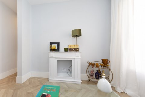 Apartment for sale in Madrid, Spain, 3 bedrooms, 69.00m2, No. 2315 – photo 6