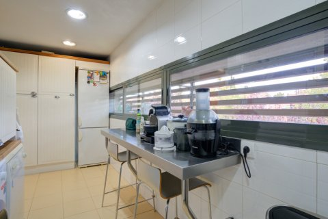 Duplex for sale in Madrid, Spain, 3 bedrooms, 160.00m2, No. 2326 – photo 19