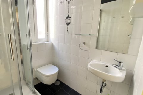 Apartment for rent in Madrid, Spain, 4 bedrooms, 150.00m2, No. 2728 – photo 26