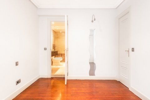 Apartment for sale in Madrid, Spain, 1 bedroom, 51.00m2, No. 1832 – photo 3