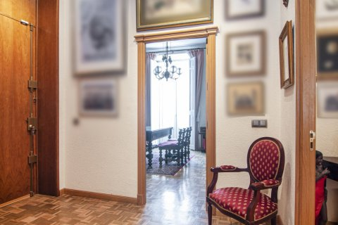 Apartment for sale in Malaga, Spain, 4 bedrooms, 247.00m2, No. 2396 – photo 8