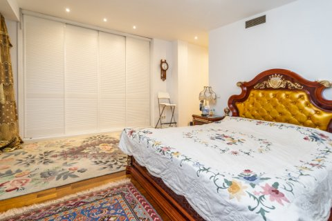 Duplex for sale in Madrid, Spain, 3 bedrooms, 152.00m2, No. 2445 – photo 10