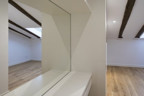 Duplex for sale in Madrid, Spain, 2 bedrooms, 125.00m2, No. 1549 – photo 9