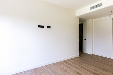 Apartment for sale in Madrid, Spain, 3 bedrooms, 168.00m2, No. 2464 – photo 11