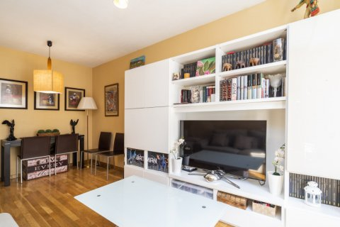 Apartment for sale in Madrid, Spain, 3 bedrooms, 93.00m2, No. 2248 – photo 2