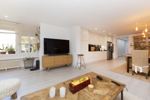 Apartment for sale in Madrid, Spain, 4 bedrooms, 218.00m2, No. 2124 – photo 1