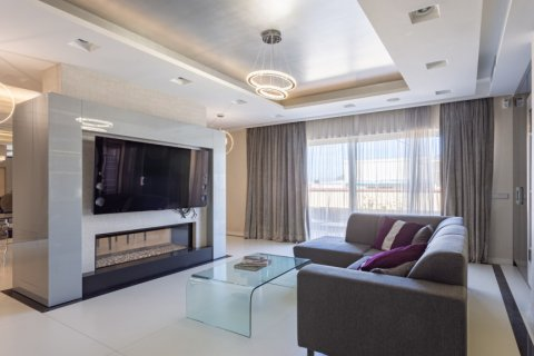 Penthouse for rent in Madrid, Spain, 4 bedrooms, 270.00m2, No. 1492 – photo 2
