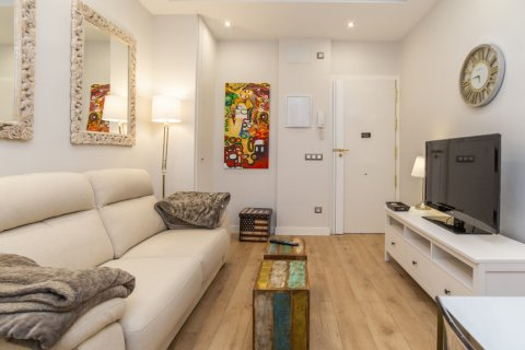 Apartment for sale in Madrid, Spain, 2 bedrooms, 57.00m2, No. 2498 – photo 3