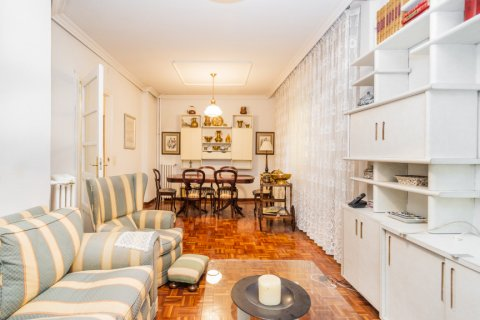 Apartment for sale in Madrid, Spain, 3 bedrooms, 78.00m2, No. 2330 – photo 2