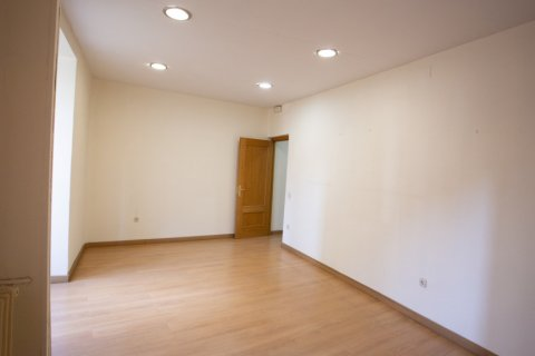 Apartment for sale in Madrid, Spain, 3 bedrooms, 120.00m2, No. 2439 – photo 5