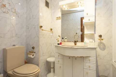 Apartment for sale in Madrid, Spain, 5 bedrooms, 114.00m2, No. 2670 – photo 7