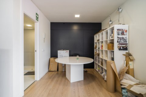 Duplex for sale in Madrid, Spain, 3 bedrooms, 150.00m2, No. 2671 – photo 22