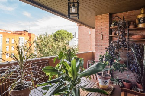Apartment for sale in Madrid, Spain, 6 bedrooms, 291.00m2, No. 2275 – photo 2