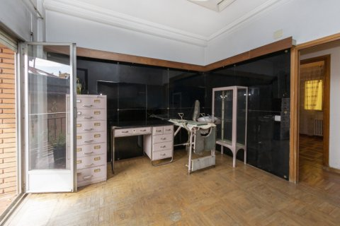 Apartment for sale in Madrid, Spain, 4 bedrooms, 129.00m2, No. 2307 – photo 8