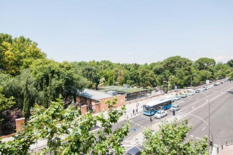 Apartment for sale in Madrid, Spain, 4 bedrooms, 345.00m2, No. 1663 – photo 1