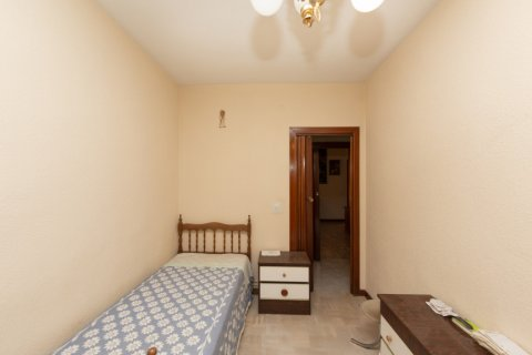 Apartment for sale in Madrid, Spain, 3 bedrooms, 90.00m2, No. 2414 – photo 14