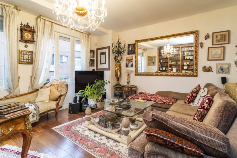 Apartment for sale in Madrid, Spain, 3 bedrooms, 166.00m2, No. 2286 – photo 24