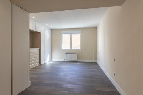 Apartment for sale in Madrid, Spain, 4 bedrooms, 290.00m2, No. 2043 – photo 14