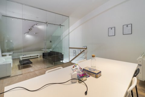 Duplex for sale in Madrid, Spain, 3 bedrooms, 150.00m2, No. 2671 – photo 9