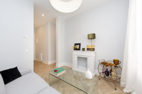 Apartment for sale in Madrid, Spain, 3 bedrooms, 69.00m2, No. 2315 – photo 7