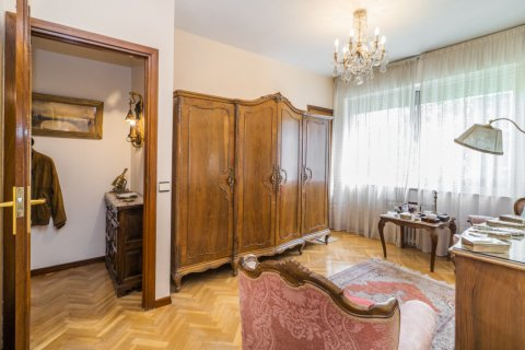 Apartment for sale in Madrid, Spain, 5 bedrooms, 181.00m2, No. 2706 – photo 29