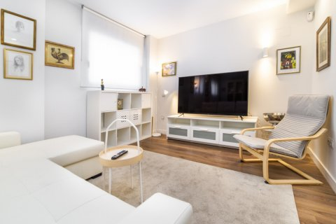 Apartment for sale in Madrid, Spain, 3 bedrooms, 150.00m2, No. 2538 – photo 3