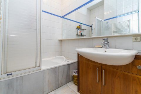 Apartment for sale in Madrid, Spain, 4 bedrooms, 426.00m2, No. 1733 – photo 27