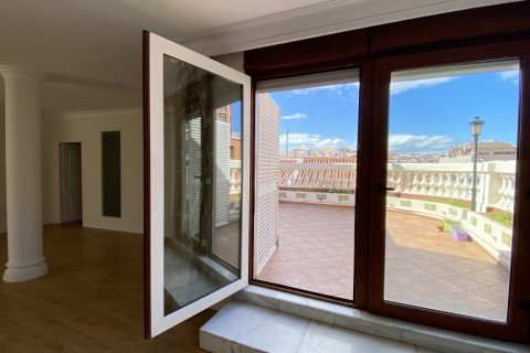 Penthouse for rent in Madrid, Spain, 3 bedrooms, 250.00m2, No. 2717 – photo 2