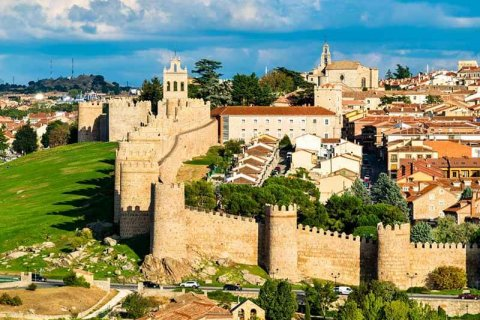 Downshifting in Spain: real estate for peace of mind
